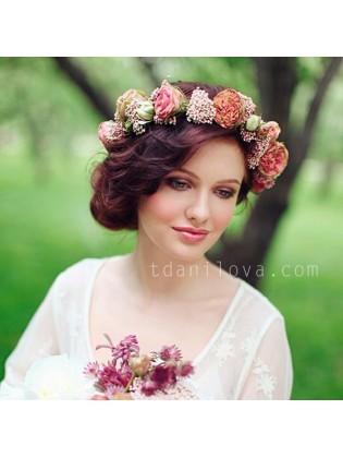 Венок с розами и озотамнусом